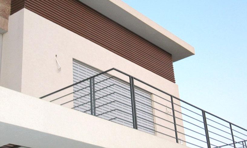 מעקה מעוצב למרפסת