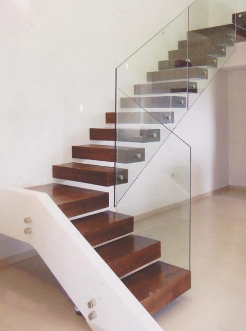 עיצוב מדרגות מרחפות